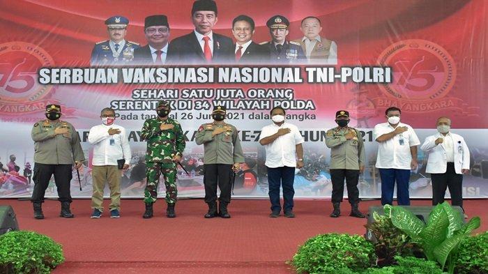PT Pusri Palembang melaksanakan vaksinasi serentak di Gedung Serba Guna Komplek PT Pusri Palembang, Sabtu (26/06/2021).