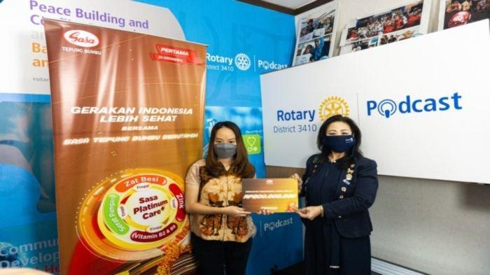 PT Sasa Inti mendonasikan Rp 200 juta kepada Rotary Indonesia D3410 sebagai bukti dukungan terhadap Gerakan Ayo Cegah Stunting yang diadakan oleh Rotary Indonesia D3410.