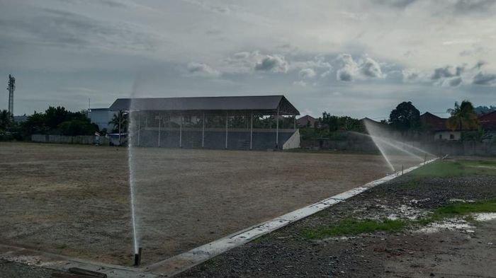 PTBA Renovasi Lapangan Sepakbola Saringan di Desa Lingga Kecamatan Lawang Kidul Kabupaten Muaraenim