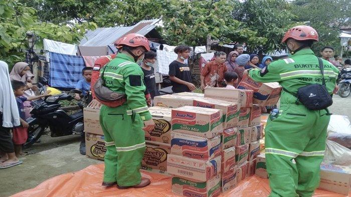 PT Bukit Asam Tbk (PTBA) mengirimkan langsung Tim Rescuer dan menyalurkan donasi berupa kebutuhan logistikuntuk warga yang terkena musibah gempa di Sulawesi Barat (Subar) dan banjir di Kalimantan Selatan (Kalsel).