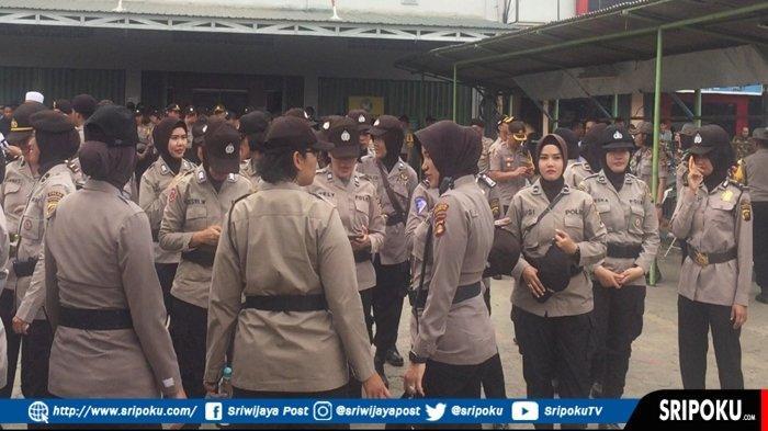 Polwan Jadi 'Pagar' Kantor Gojek Palembang, Ribuan Driver Online Demo, Simpang Polda Macet Total