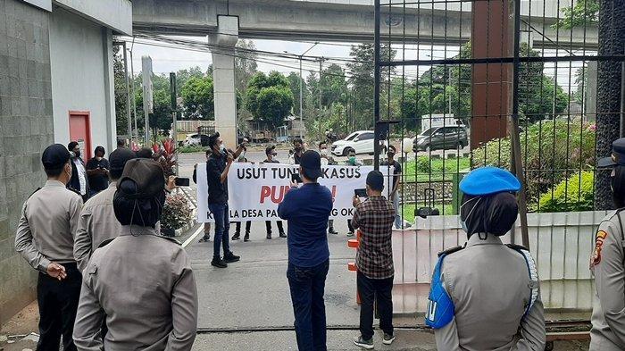 Diduga Melakukan Pungli Pembuatan Sertifikat, Seorang Kades di OKU Timur Dilaporkan Warga ke Kejati