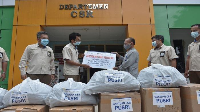Peduli Covid-19, PUSRI Serahkan 1.800 Paket Kesehatan