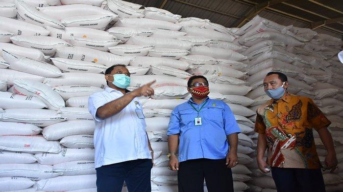 Dirut PT Pusri Palembang Dampingi Komisi IV DPR RI Reses ke Lampung, Stok Pupuk Aman & Sangat Banyak
