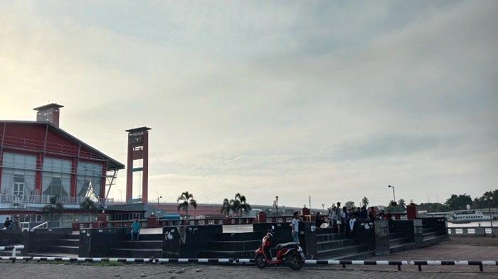 Tertibkan Warga di Pelataran BKB Palembang, tak pakai Masker Langsung Dikarantina di Asrama Haji