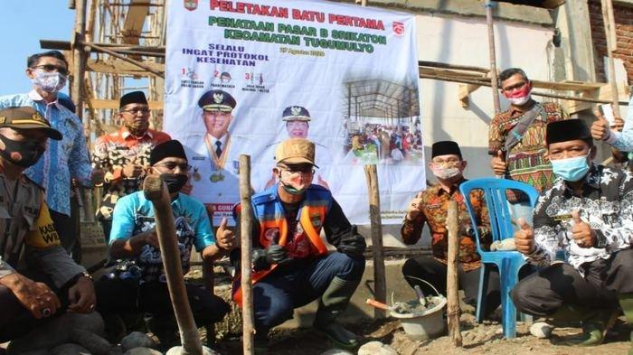 Revitalisasi dan Penataan Pasar B Srikaton, Bupati Musirawas H Hendra Gunawan Letakkan Batu Pertama