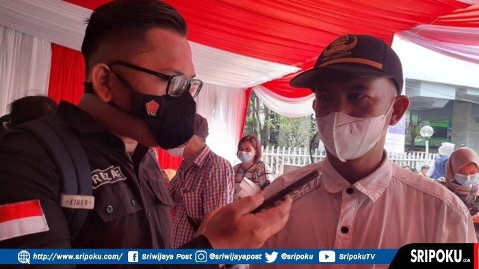 Rhoma Irama Berhasil Bujuk Pedagang Pasar Cinde Palembang untuk Disuntik Vaksin