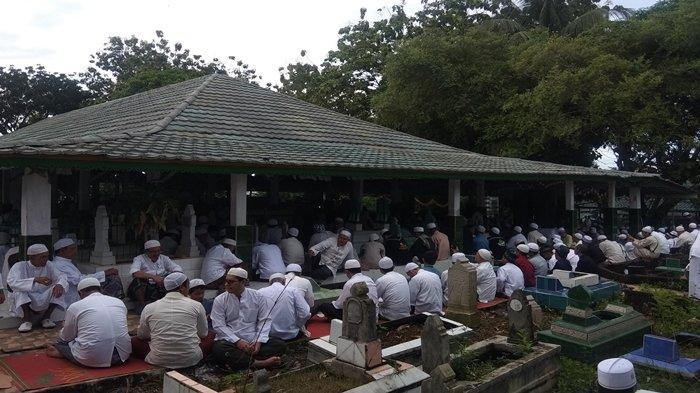 Rangkaian Ziarah Kubro di Palembang, Ribuan Umat Ziarah di Makam Al Habib Ahmad Syech Shahab