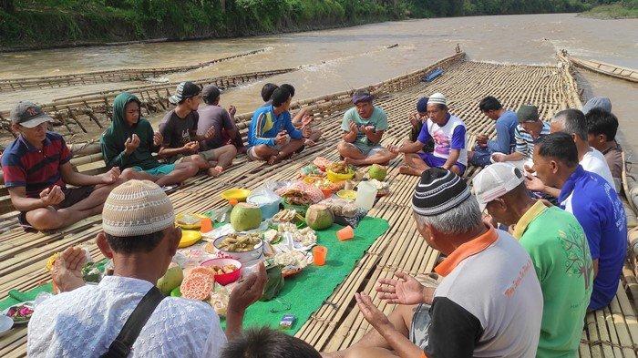 Mengenal Lumpatan, Tradisi Menangkap Ikan di Empat Lawang: Habiskan Uang Hingga Rp50 Juta