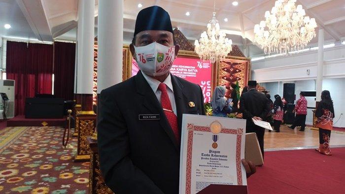 Sebanyak 198 ASN di Lingkungan Pemprov Sumatera Selatan Mendapatkan Penghargaan Satyalencana