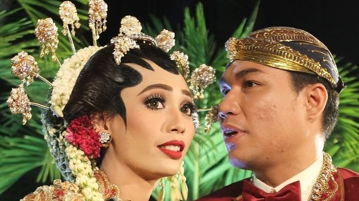 Beda Keyakinan, Ternyata Begini Perjalanan Cinta Rizal Armada & Monica Imas hingga Putuskan Menikah