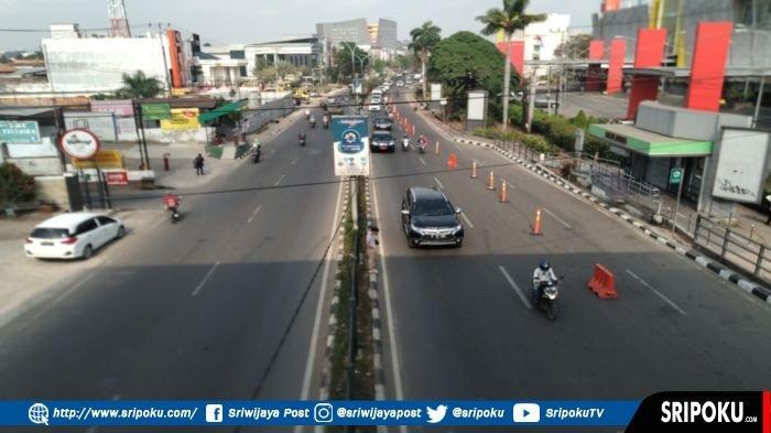Arus Lalu Lintas di Jalan R Sukamto Depan PTC tak Macet Lagi Setelah Dipasang Road Barrier Separator