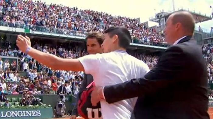 Roger Federer Tumbang, Rafael Nadal Bertahan