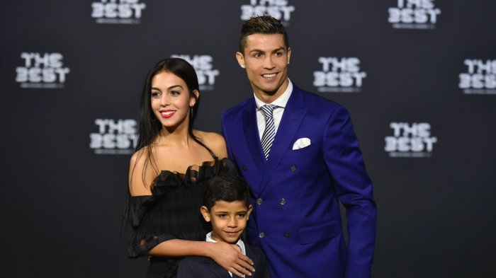 Dua Kali Dipecat Dari Pekerjaannya, Pacar Ronaldo Akhirnnya Temukan Pekerjaan baru