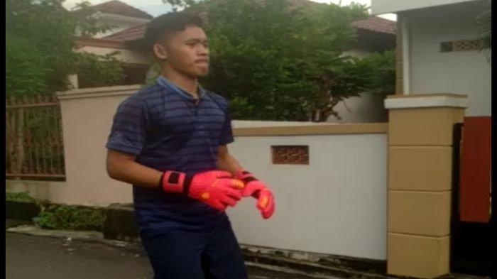 Kiper Muda Sriwijaya FC Royhan Tetap Latihan Rutin Jelang Buka Puasa Selama Libur Panjang