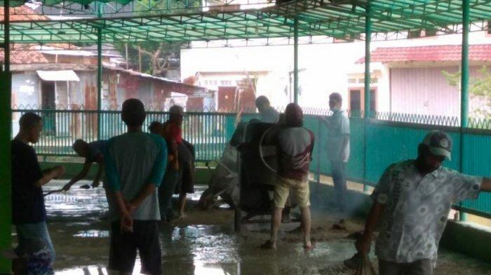 Warga Cinta Kebersihan Gotong Royong Perbaiki Jalan Masjid Nur Ramadhan