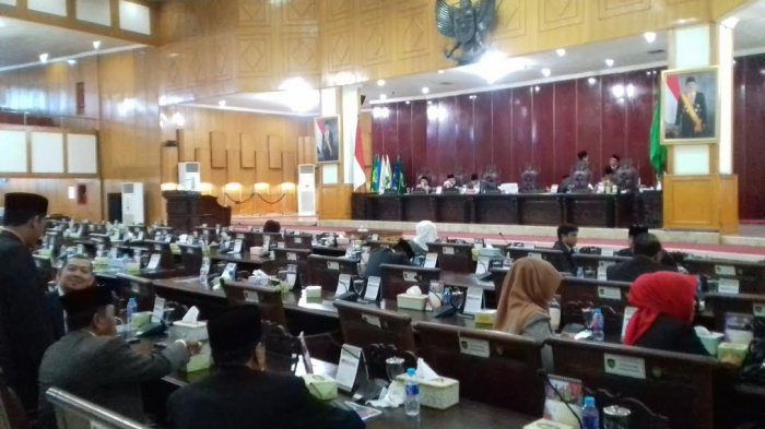 Komisi III Belum Siap Sampaikan Laporan, Ketua DPRD Sumsel Skor Sidang Paripurna