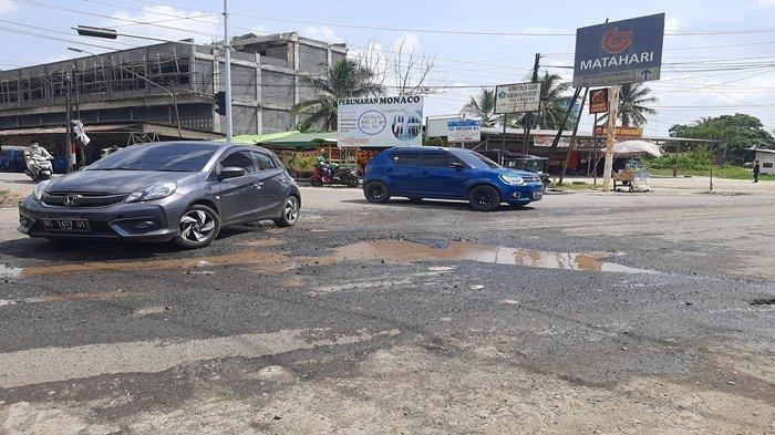 Jalan Penghubung di Palembang Ini Sudah Satu Tahun Rusak Sepanjang 10 Meter, Bak Kubangan Kerbau
