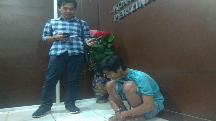 Berita Palembang : Bawa Pisau Lipat Saat Keluar Rumah, Pria Ini Harus Berurusan Dengan Petugas