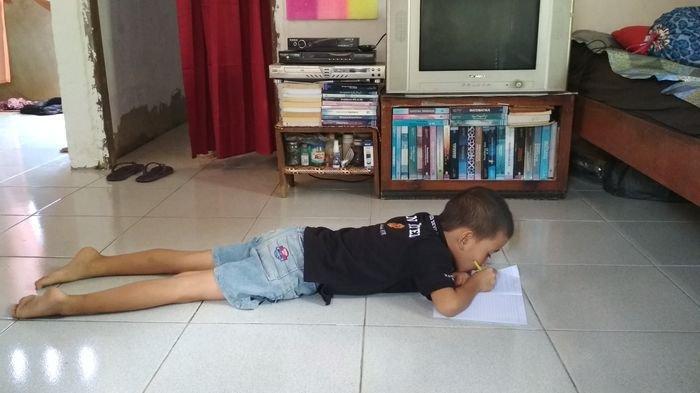 Cerita Guru di Muratara, Telepon Orangtua Siswa, untuk Pastikan Muridnya Belajar di Rumah