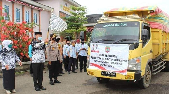 Pemkab Musirawas Salurkan Bansos Tahap IV, Tetangga Konfirmasi Positif Covid-19 Juga Dapat