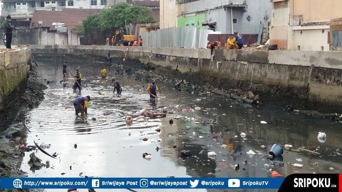 SAMPAH tak Kunjung Bersih di Aliran Sungai Sekanak-Lambidaro, Total ada Rp 47 Miliar Proyek Penataan