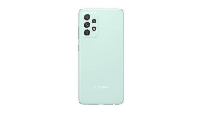 Samsung Galaxy A52S 5G dengan varian warna Awesome Mint.