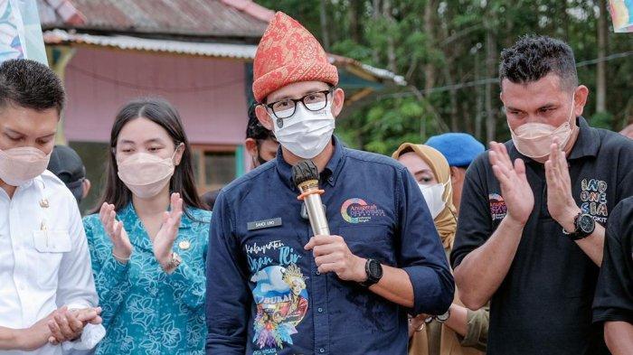 SANDIAGA Uno Berolahraga di Jembatan Ampera, 'Ingat Palembang Ingat Ampera dan Sungai Musi'