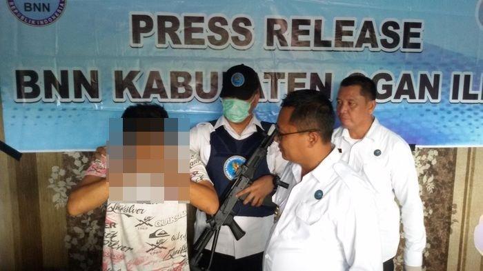 BNNK OI Tangkap Seorang Sarjana Pengedar Pil Ekstasi di Kabupaten Ogan Ilir