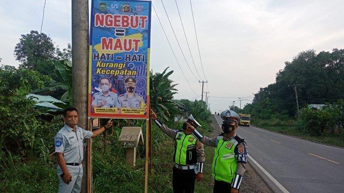 Upaya Satlantas Polres Muba Tekan Angka Lakalantas, Sebar Rambu Peringatan di 18 Titik Jalan Lintas