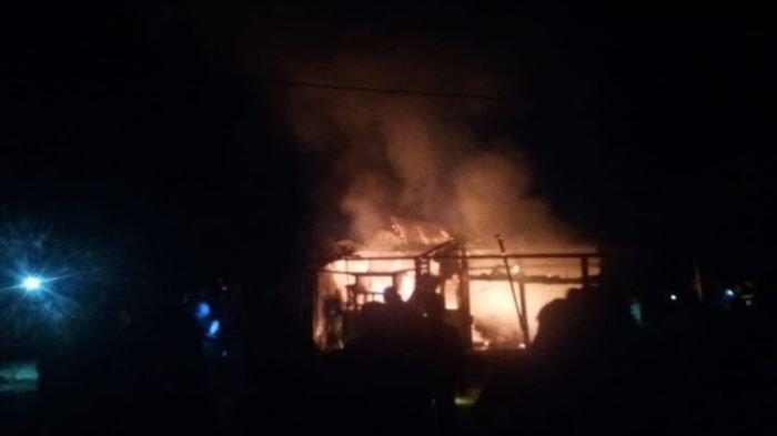 Satu Keluarga Tewas Terbakar di Kabupaten Sarolangun, Provinsi Jambi, Terjadi Banyak Ledakan di TKP
