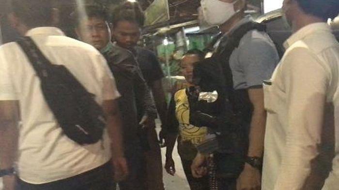 'Saya Takkan Lari Pak' 2 Polisi Terluka, Seorang Wanita Diamankan, Diduga Suplai Batu Tawuran 2 Geng