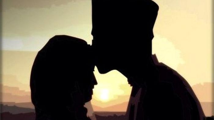 Mencium Istri Saat Puasa, Batalkah Puasa Tersebut?