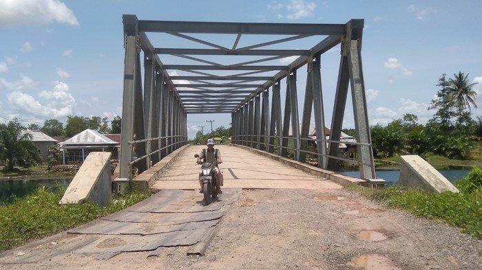 Ditampal Plat Baja, Ini Gambaran Proyek Jembatan Sungai Rambutan-Parit Ogan Ilir yang Digarong 2 ASN
