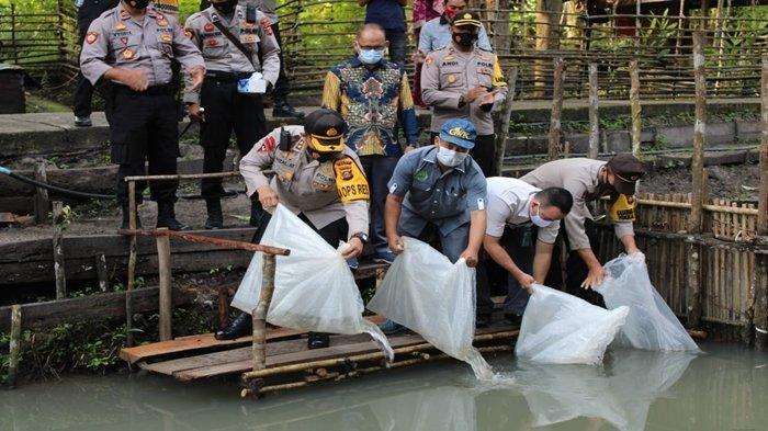 Jaga Kebutuhan Pangan Jelang Ramadan Tebar Ribuan Benih Ikan, Panen Raya Kampung Tangguh di PALI