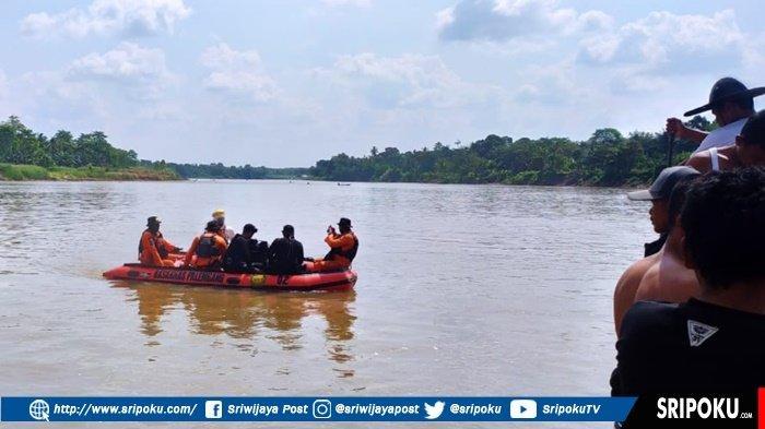 Penyelam Basarnas Dikerahkan, Cari Selamat yang Hilang di Sungai Ogan, Sempat Berenang Pakai Toples