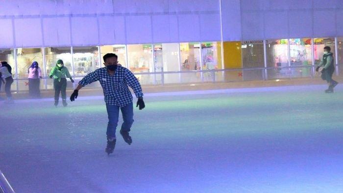 Satu Tahun OPI Ice Skating Arena Promo Tiket Beli Satu Gratis Satu