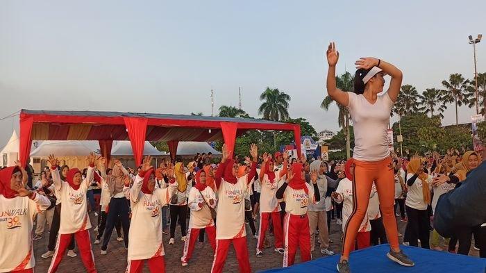Ribuan Masyarakat Meriahkan Fun Walk HUT ke-39 PT Bukit Asam Tbk di Palembang