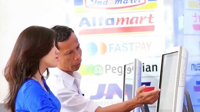 Begini Cara Beli Tiket Kereta Api di Indomaret atau Alfamart dari Kasir atau LCD di Minimarket