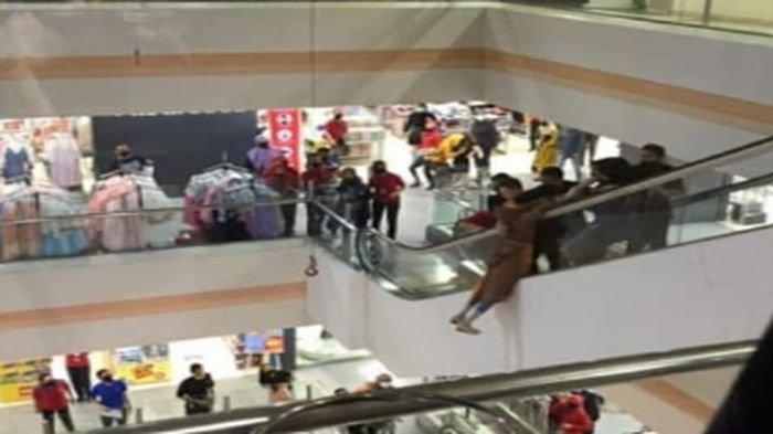 Viral Video Seorang Wanita Nekat Mencoba Bunuh Diri dari Lantai 7 di Sebuah Mal, Begini Kronologinya