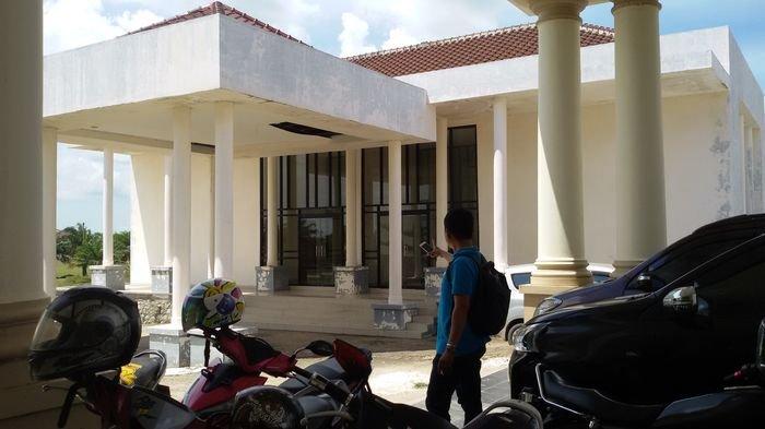 Gedung Fraksi DPRD Ogan Ilir Mubazir