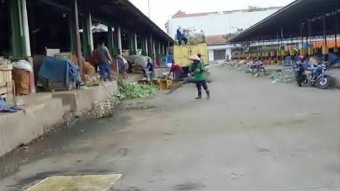 Dampak dari Pesan Berantai Pasar Tradisional di Sumsel Tutup: Masyarakat Borong Sembako!