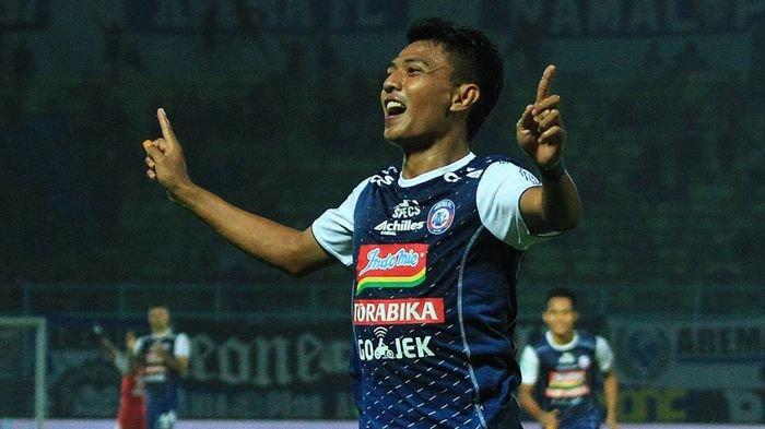 Arema FC Relakan Dedik Setiawan Absen Lawan Persib Bandung karena Tugas Negara