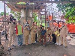 Guru dan Karyawan Prodi APHP Berkunjung ke Pengolahan Sereh Wangi di Tanjung Raja, Ogan Ilir