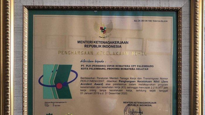 PLN Unit Induk Penyaluran dan Pusat Pengatur Beban (UIP3B) Sumatera - Unit Pelaksana Transmisi (UPT) Palembang mendapat penghargaan dari Kementerian Ketenagakerjaan Republik Indonesia dalam kategori Kecelakaan Nihil di Tempat Kerja.