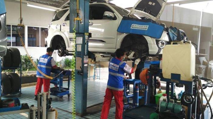 Tips Merawat dan Mengendarai Mobil, Auto 2000 Palembang Sarankan Hindari Pakai High Heels