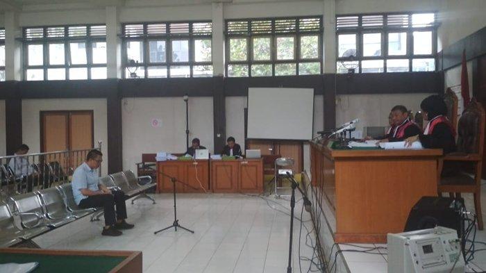 Terdakwa Penyuap Bupati Muaraenim Noin Aktif Robi Dengarkan Tuntutan JPU KPK, Hakim Lengkap