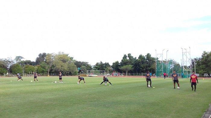 Coach Nil Maizar Genjot Latihan Pemain Sriwijaya FC Selama 2 Jam saat Ramadhan : Ngos-ngosan