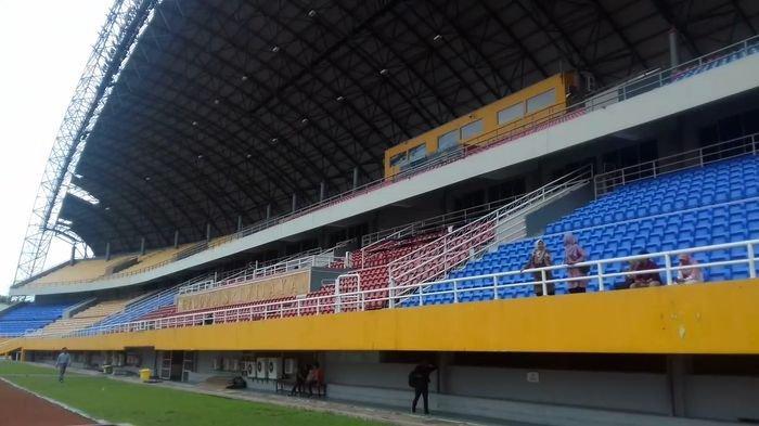 Suporter Kecele Laga Uji Coba Sriwijaya FC vs Porsiba Tertutup, Hingga Ada yang Nekat Manjat Pagar