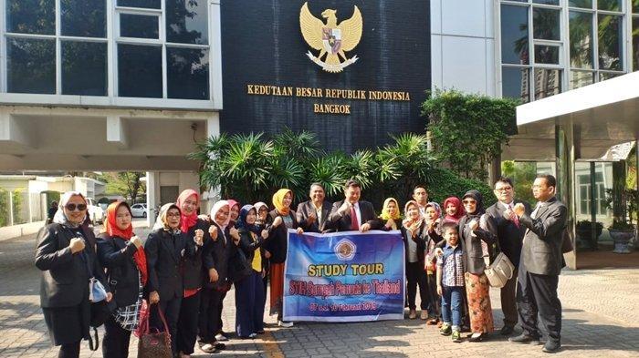 STIHPADA Gelar Study Tour ke Bangkok, Kunjungi Kedutaan Besar Republik Indonesia